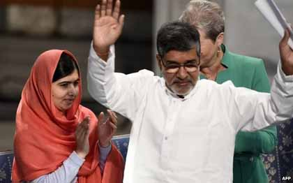 Pakistani education activist Malala Yousafzai and Indian child rights campaigner Kailash Satyarthi at the Nobel Prize awards.